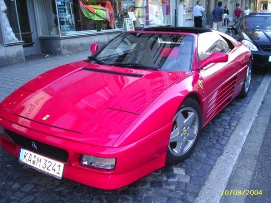 Karlsruhe, Alemania: Este era el auto que manejaba en alemania, yiiiaaaaaa....