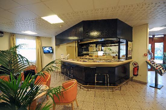 Kyriad Paris Sud - Arcueil Cachan: Un bar salon vous attends pour vous détendre
