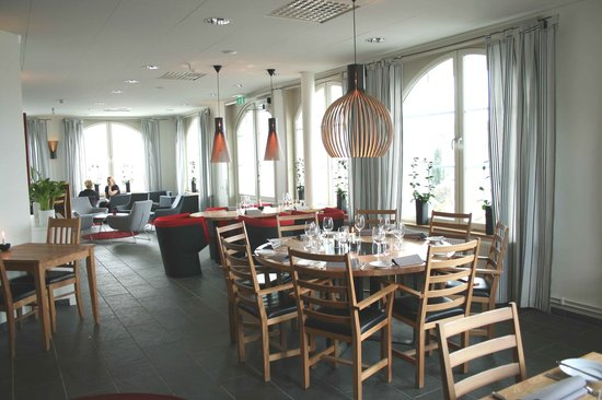 Atellet Hotell: Restaurant and lounge area