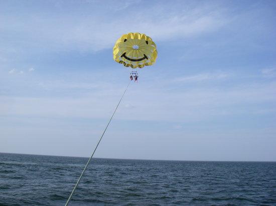 Captain Mickey S Rudee Inlet Parasail