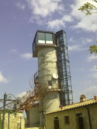 Borgo la Fornace: La torre della Fornace adesso ristorante privè