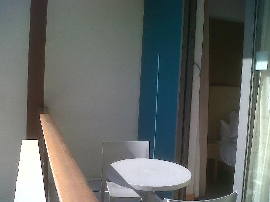 Hilton Athens: balcony (room 541)