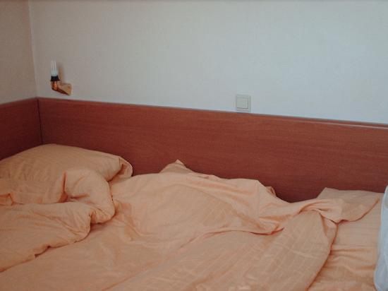 Orange Tulip Hotel: ...tutti attaccati!