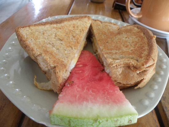Amor y Cafe: Grilled Egg & Cheese Sandwich