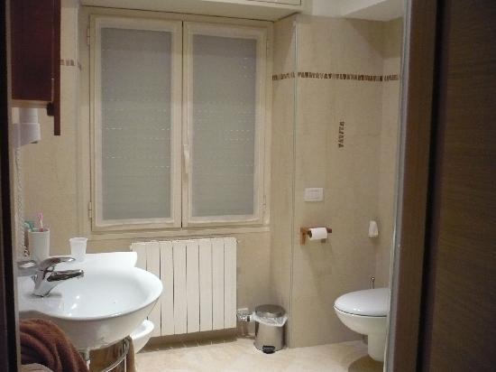 Бавено, Италия: il bagno