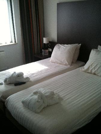 Apollo Hotel de Beyaerd: Bedroom (two singles next to each other)