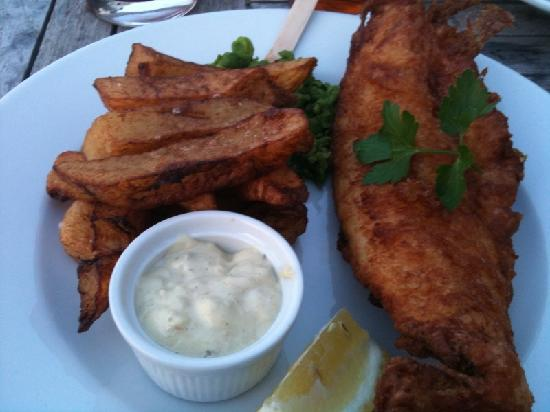 Cary Arms & Spa: Unpleasant fish and chips