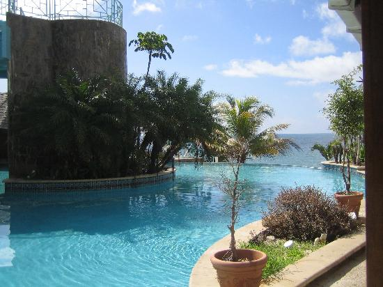 Salybia Nature Resort & Spa: The pool