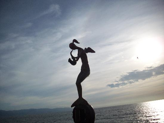 Chapala, Meksiko: Art on the malecon