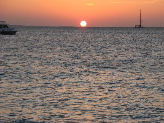 Royal West Indies Resort: sunset from RWI beach