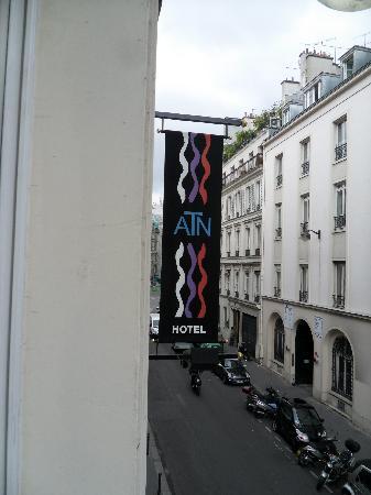 Hotel sign picture of atn paris tripadvisor for Location hotel a paris