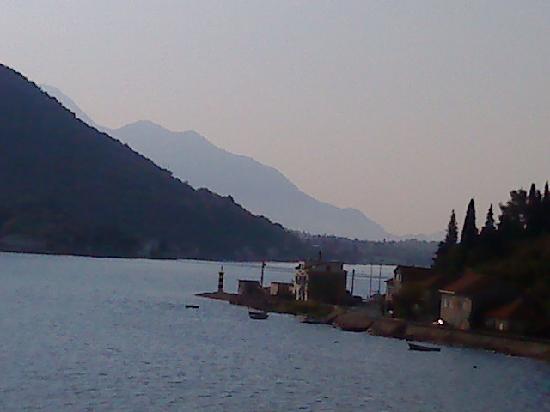 Casa del Mare: vistas desde el hotel a la bahía de Kotor