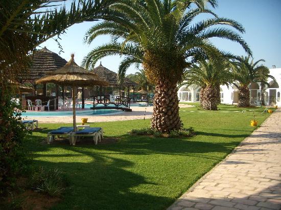 Hotel Shalimar : la piscine exterieur
