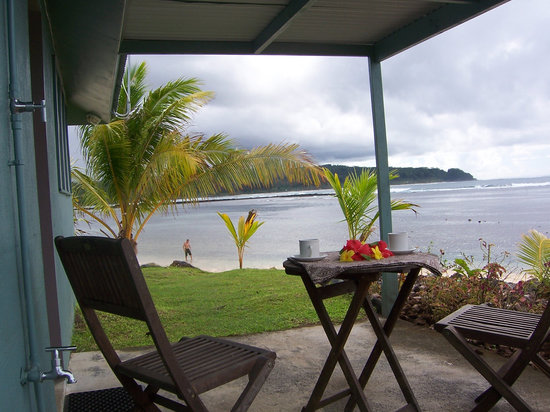 Savaii Lagoon Resort: Outside water's edge superior bungalow