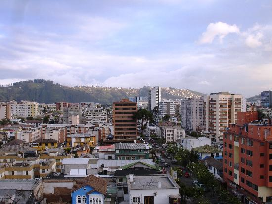 Hotel Reina Isabel: View during the day