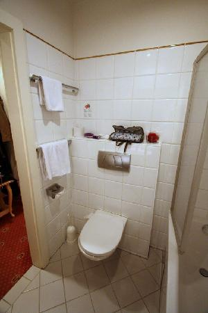 Pertschy Palais Hotel: bathroom