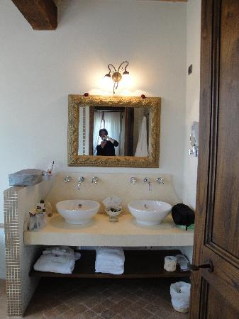 La Palazzetta del Vescovo: Our great bathroom