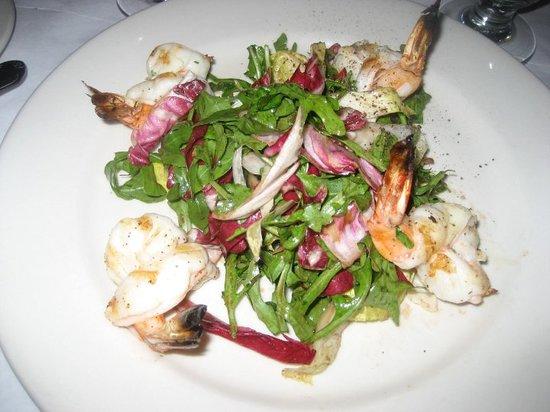 Amici II: shrimp and salad