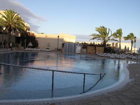 SBH Taro Beach : piscina dell'albergo