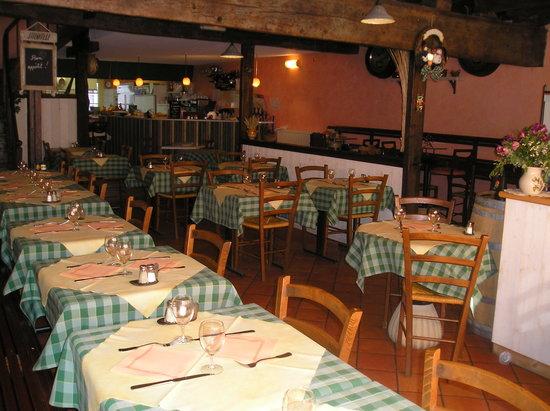 La Marechalerie : Restaurant La Maréchalerie à Castillonnes en Lot et Garonne - Vue intérieur