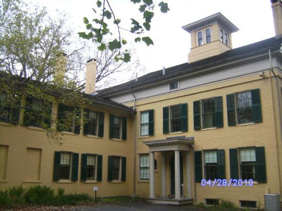 Emily Dickinson Museum Photo