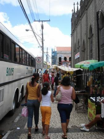 Feira de Santana, BA: Sidewalk going to the Central market