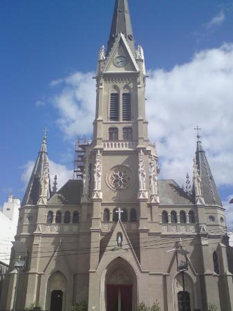 Detalle De La Fachada De La Catedral De San Pedro Y Santa