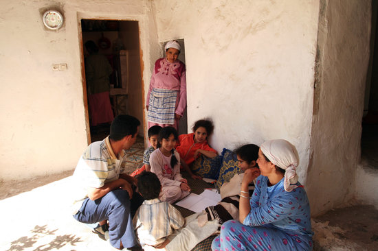 Amizmiz, Morocco: Berber village - meeting the family where we were having lunch