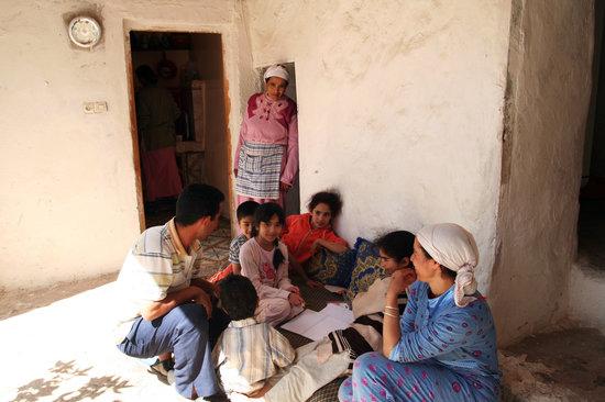 Amizmiz, Maroc : Berber village - meeting the family where we were having lunch