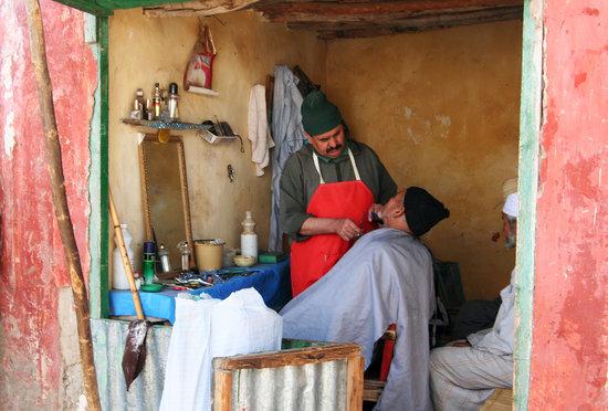 Amizmiz rural market barbers