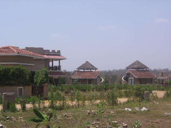 Mapple Bundela Tiger Retreat: Cottages and Independent Rooms