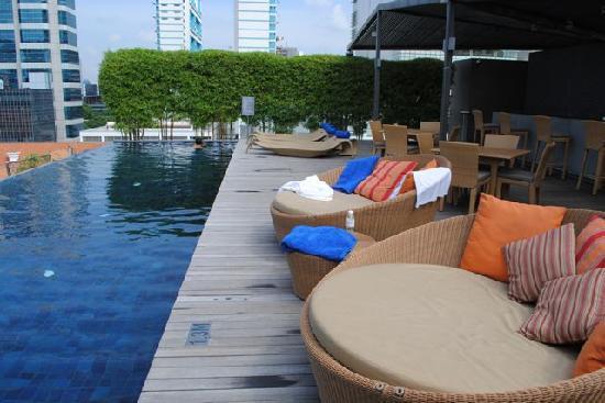 Naumi Hotel: swim pool 1