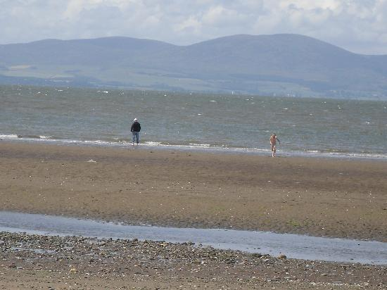 Solway Holiday Village: sandy beach