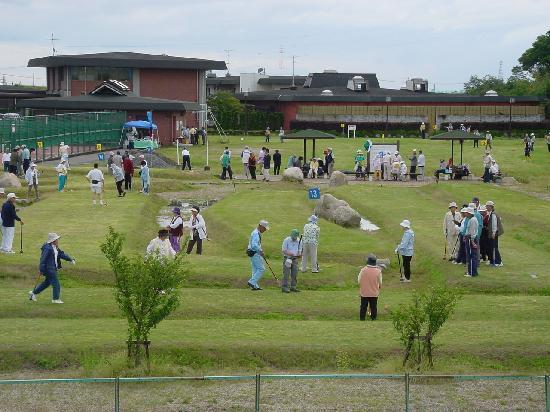 New Heartpia Onsen Hotel Nagashima : 3万坪の広大な敷地に中部地区最大級のグラウンドゴルフ専用コース