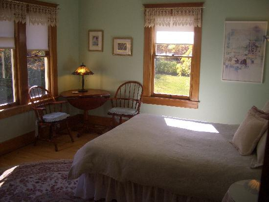 Snowbird Inn B & B: One of our five guest rooms