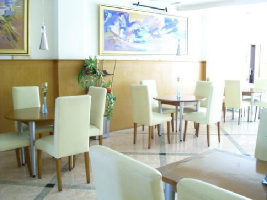 Anggrek Gandasari Hotel : Our Resto