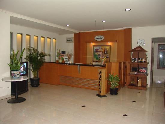 Anggrek Gandasari Hotel: Lobby Area