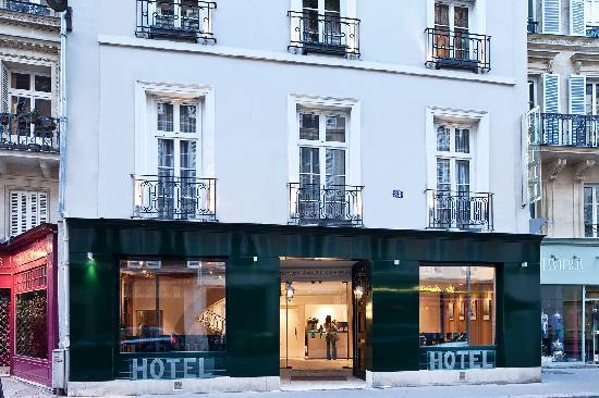 ma chambre tout confort picture of hotel saint germain paris tripadvisor. Black Bedroom Furniture Sets. Home Design Ideas