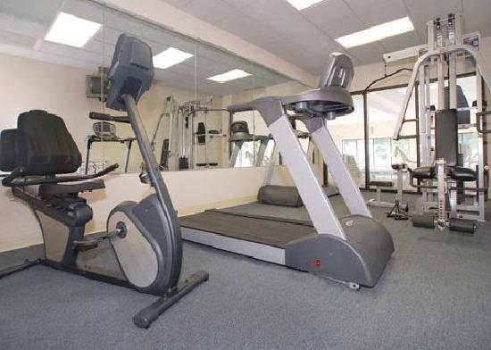 Comfort Suites University Area: Fitness center