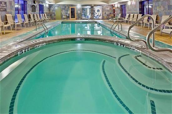 Holiday inn express suites clinton updated 2018 prices for Pool design jackson ms