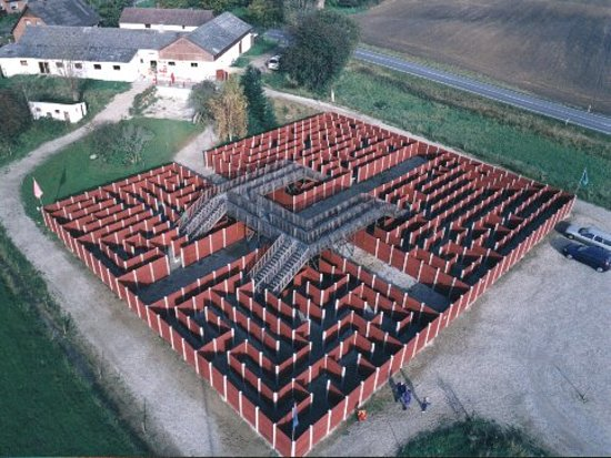Them, Дания: Here is our 3D maze, which is the largest in Europe.