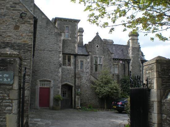 The Old Court: Entrance