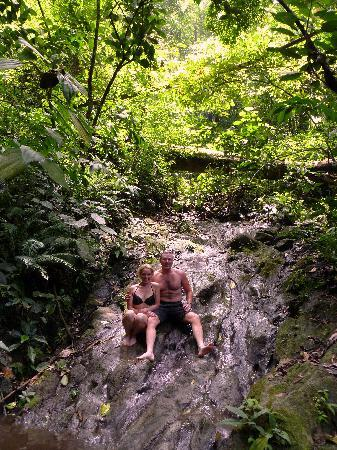 Jaco, Costa Rica : Stopping for a swim
