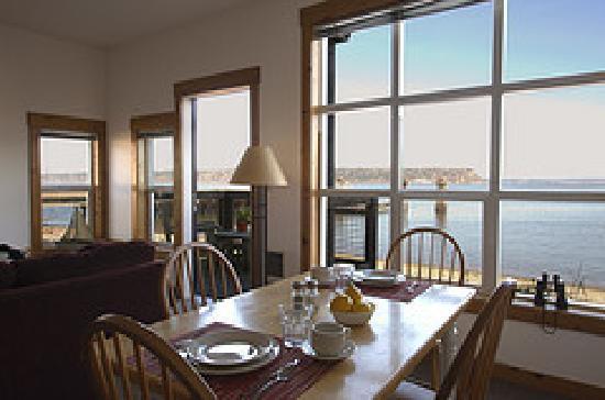 Boatyard Inn: Loft dining room