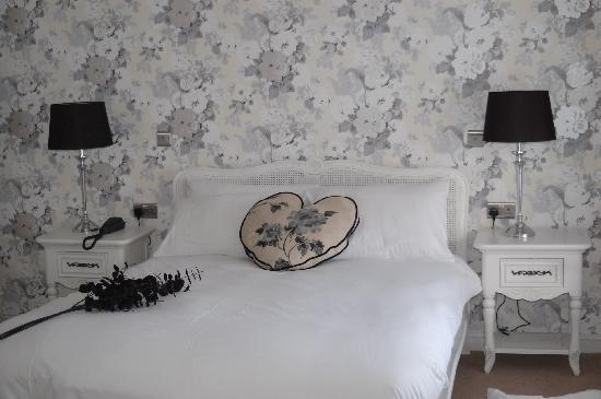 Emlyn Hotel: Romantic Bridal Suite