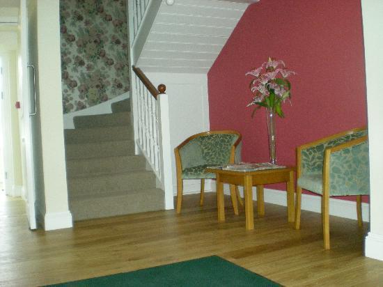 Emlyn Hotel: Seating Area