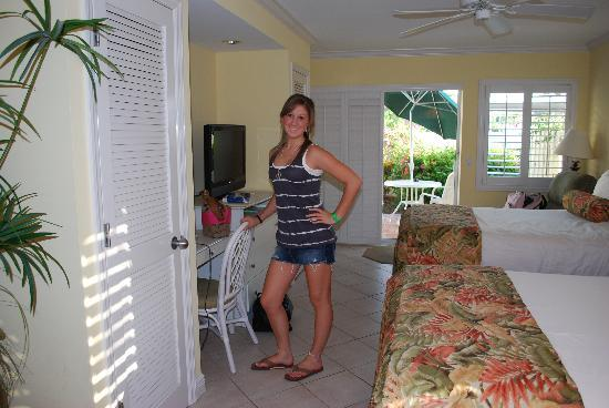 Inn at the Beach: Heading out to Sharkey's