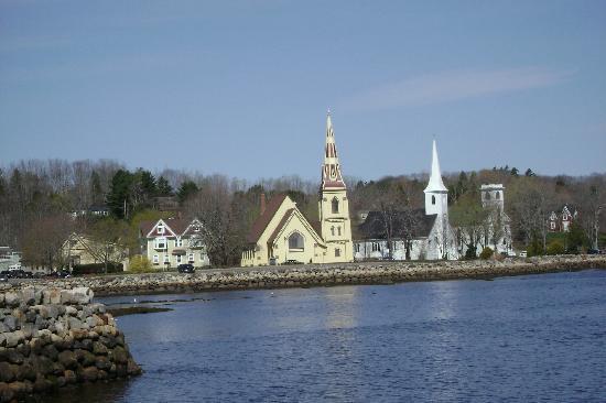 Lunenburg, Canada: 5 minutes to Mahone Bay
