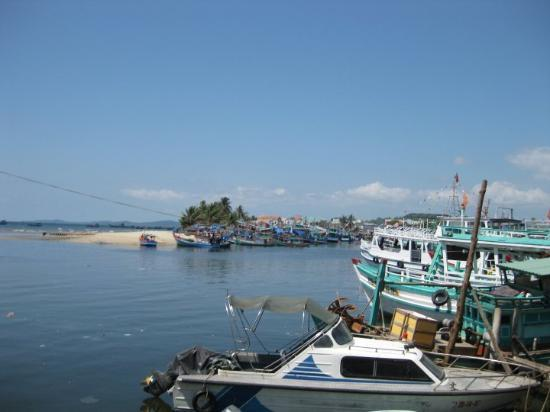 Phu Quoc Island, Vietnam: A good view of the harbour entrance in Duong Dong