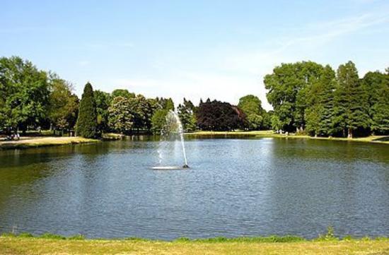 Krefeld, Alemania: Parque das águas.